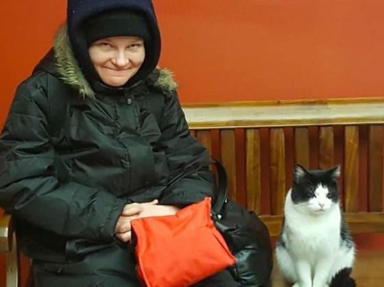 صورة رقم 3 - فيديو وصور.. تعرفوا على القطة المشردة (أوريو) ووظيفتها في دار رعاية