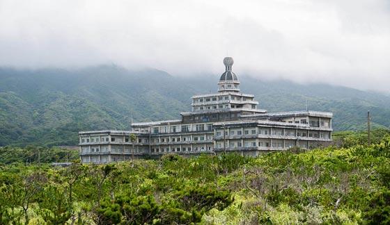 صورة رقم 1 - فيديو وصور..أكبر فندق ياباني مهجور