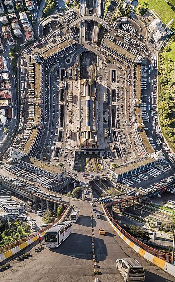 صورة رقم 9 - صور غريبة بأبعاد مذهلة يلتقطها مصور تركي بطائرات درون
