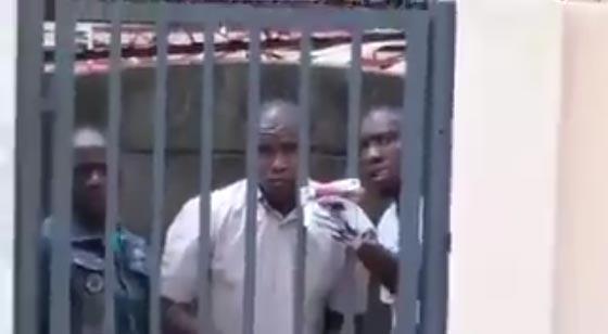صورة رقم 1 - شاهد السلاح الذي استخدمه هذا الرجل لارباك لصوص حاولوا سرقته