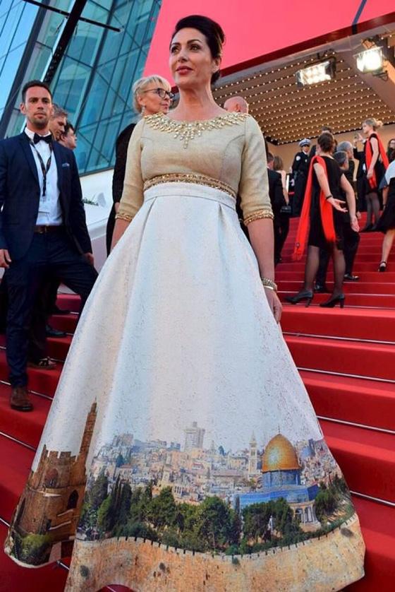 صور نجمات هوليوود في كان: اطلالات ساحرة وفستان إسرائيلي يستفز العرب! صورة رقم 6