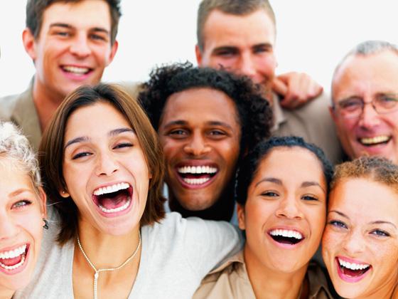 كيف تعرف شخصيتك من ضحكتك؟ وماذا تعني ضحكة اديل في لغة الجسد؟ صورة رقم 1