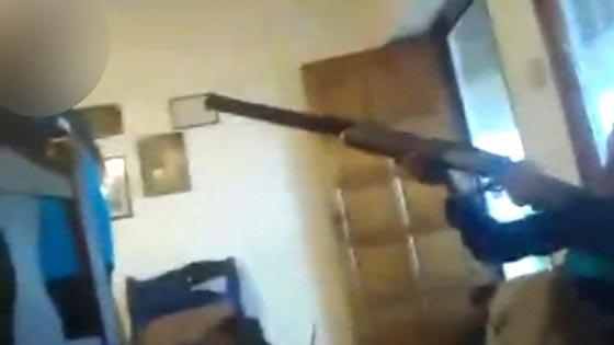 فيديو مروع.. طفل ارجنتيني يقتل طفلة بالخطأ ببندقية والده ببث مباشر صورة رقم 3