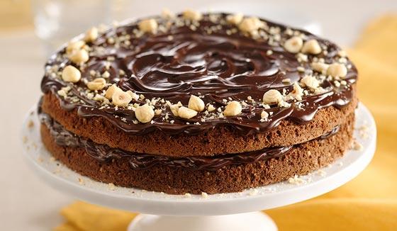 اليك طريقة تحضير كيك الشوكولاتة الداكنة بالبندق صورة رقم 2