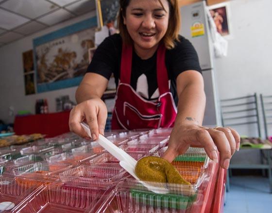 فضلات الكلاب.. الحلوى الاكثر شعبية في تايلاند! فيديو وصور صورة رقم 3