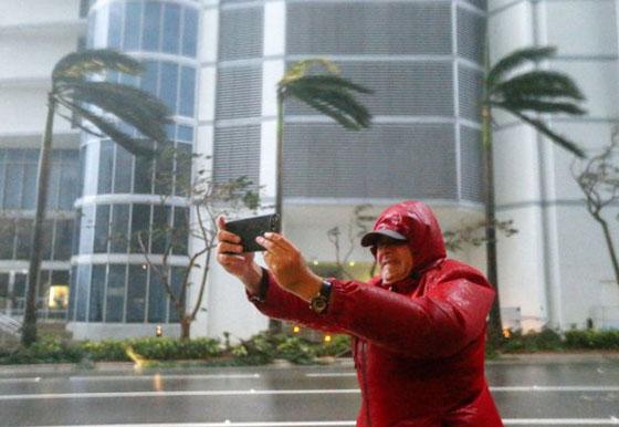 ما بين تحدي الاعصار وقياس سرعته.. امريكيون في مهب الريح! صور صورة رقم 2