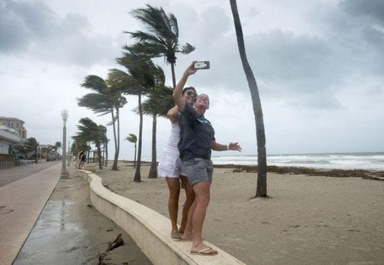 ما بين تحدي الاعصار وقياس سرعته.. امريكيون في مهب الريح! صور صورة رقم 6