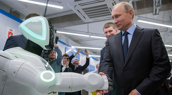وهل يخفى بوتين؟! روبوت روسي يتعرف على بوتين ويفاجئه! فيديو صورة رقم 1
