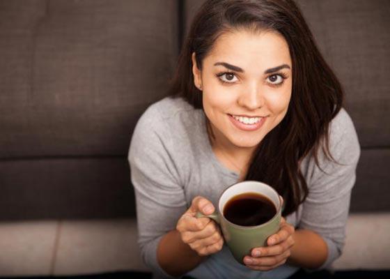 صورة رقم 3 - 10 اسرار تضمن لك الشباب وتؤخر الشيخوخة منها القهوة، الضحك والشجار!