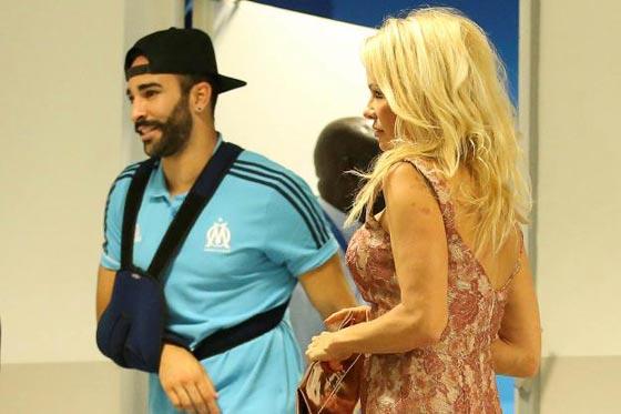 صورة رقم 6 - علاقة باميلا اندرسون وحبيبها المغربي عادل رامي تتصدر الصحف العالمية!