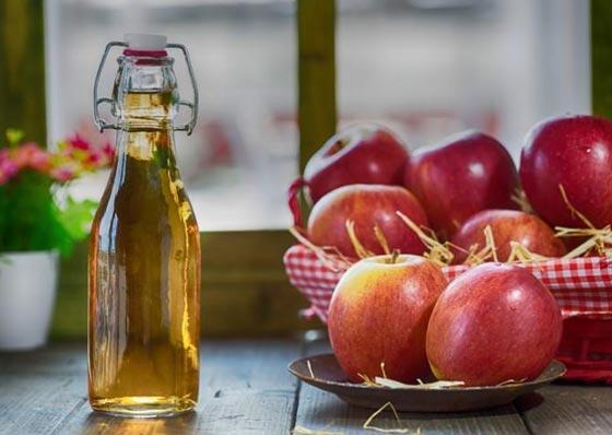 أهم العلاجات الطبيعية للعناية بالبشرة والشعر منها الموز والعسل صورة رقم 2
