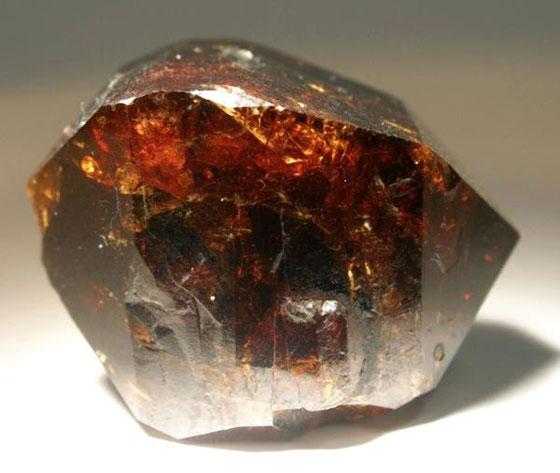 صورة رقم 11 - أحجار كريمة بإمكانها تغيير طاقة حياتكم.. تعرفوا عليها