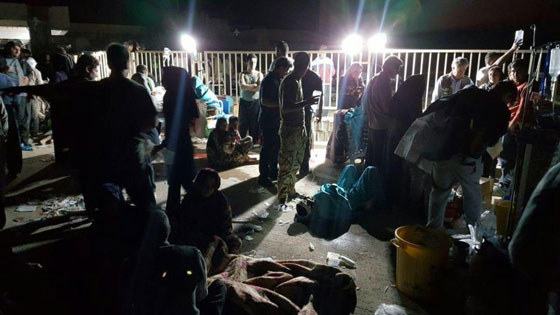 صورة رقم 3 - عشرات القتلى ومئات الجرحى اثر زلزال ضرب الحدود العراقية الإيرانية