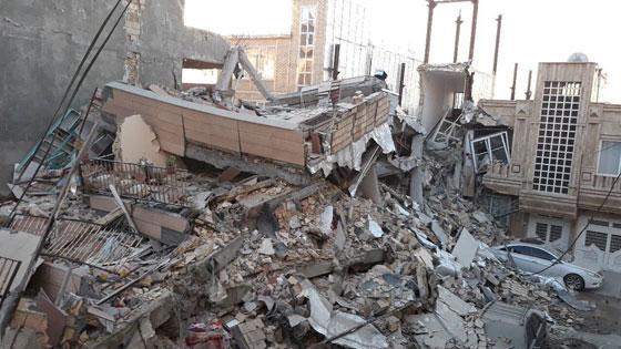 صورة رقم 8 - عشرات القتلى ومئات الجرحى اثر زلزال ضرب الحدود العراقية الإيرانية