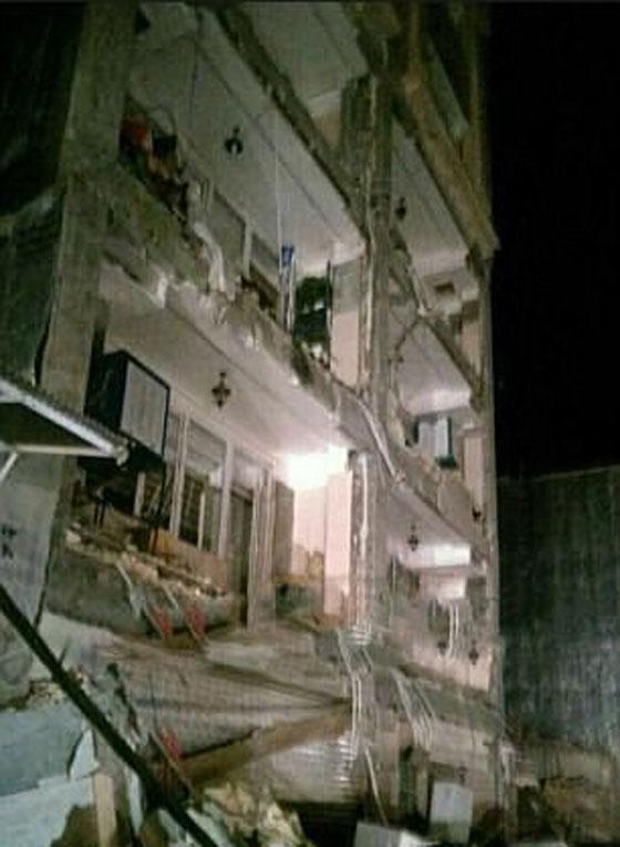 صورة رقم 12 - عشرات القتلى ومئات الجرحى اثر زلزال ضرب الحدود العراقية الإيرانية