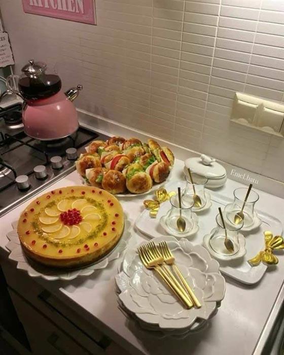 صورة رقم 6 - بالصور.. امرأة تركية تبدع في تقديم الطعام بنظام وترتيب بطريقة مذهلة