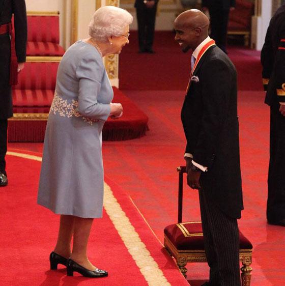 صورة رقم 3 - ملكة بريطانيا تكرم العداء الصومالي محمد فرح وتمنحه لقب
