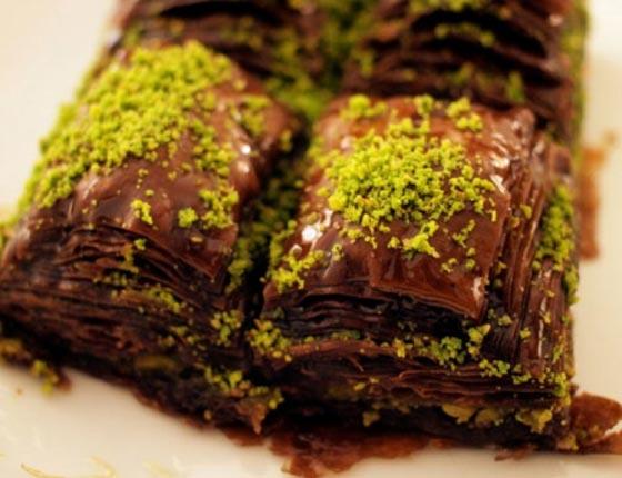 صورة رقم 4 - وصفة لتحضير البقلاوة بالشوكولاتة الشهية