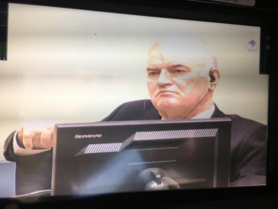 صورة رقم 5 - حر ولكن مكسور الخاطر.. في انتظار محاكمة سفاح البوسنة