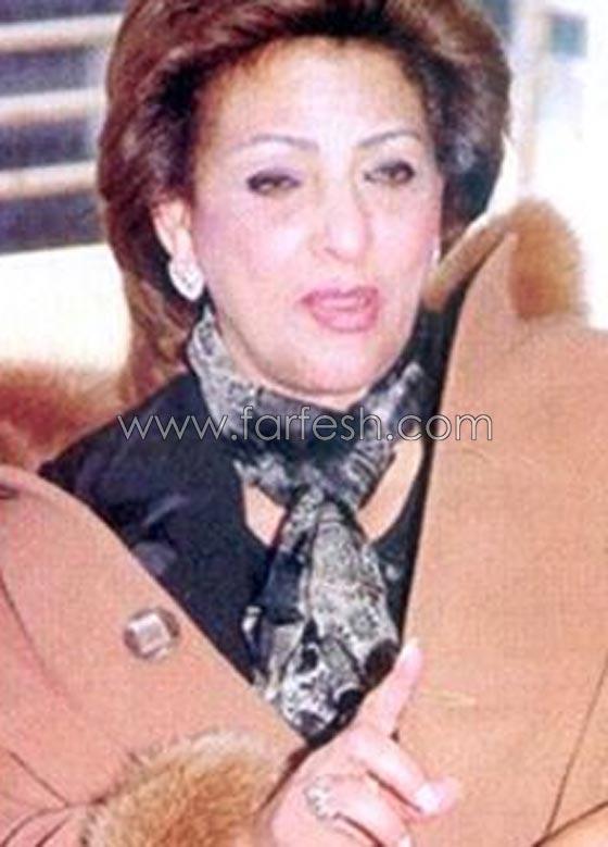 صورة رقم 8 - صور والدة هيفاء وهبي بالحجاب وبدونه: من أجمل؟ هي ام ابنتيها؟