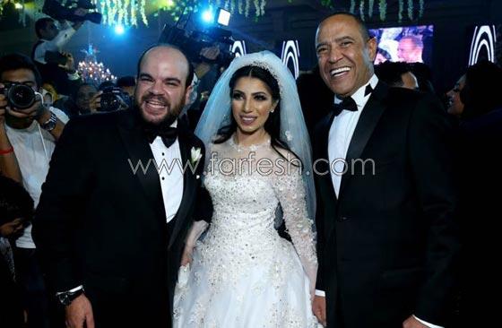 صورة رقم 12 - لقطات مثيرة من زفاف (توتا): رقص  شيماء، كشرة اسراء وقميص الهضبة!