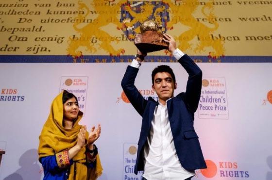صورة رقم 1 - سوري لاجئ يفوز بجائزة السلام الدولية للأطفال وقيمتها 100 الف يورو