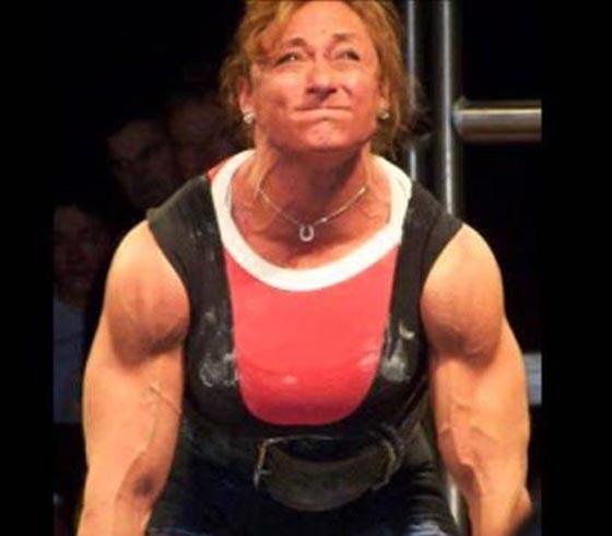 صورة رقم 2 - اقوى 10 نساء في العالم! عضلات بارزة فأين الانوثة؟