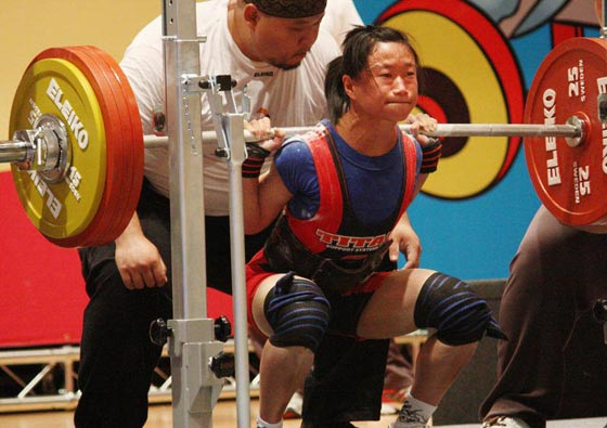 صورة رقم 7 - اقوى 10 نساء في العالم! عضلات بارزة فأين الانوثة؟