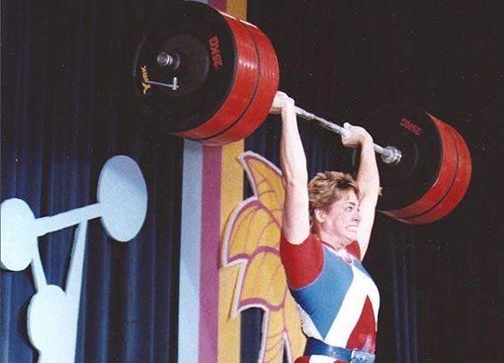 صورة رقم 10 - اقوى 10 نساء في العالم! عضلات بارزة فأين الانوثة؟