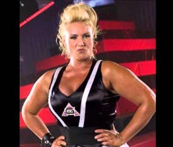 صورة رقم 4 - اقوى 10 نساء في العالم! عضلات بارزة فأين الانوثة؟