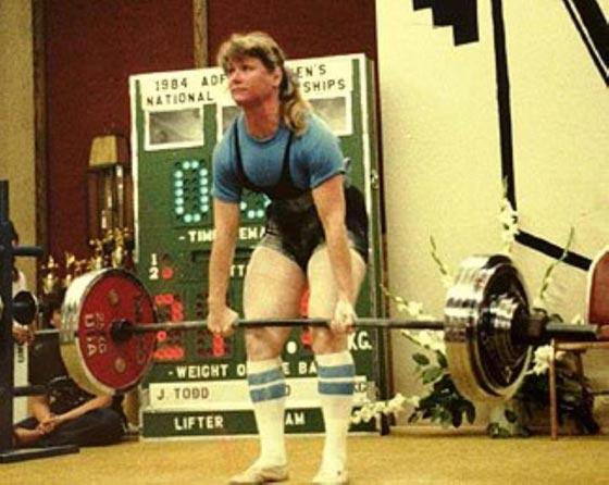 صورة رقم 6 - اقوى 10 نساء في العالم! عضلات بارزة فأين الانوثة؟