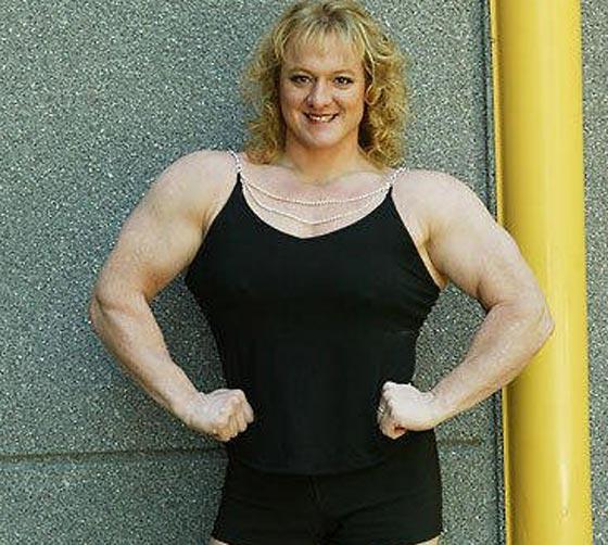 صورة رقم 3 - اقوى 10 نساء في العالم! عضلات بارزة فأين الانوثة؟