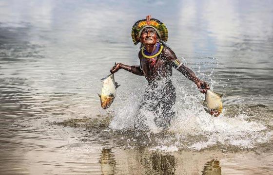 صور رائعة.. قبيلة نائية في البرازيل تعيش في انسجام تام مع الطبيعة صورة رقم 6