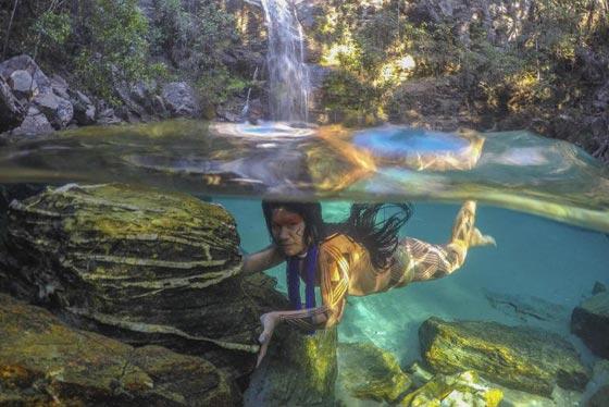 صور رائعة.. قبيلة نائية في البرازيل تعيش في انسجام تام مع الطبيعة صورة رقم 1