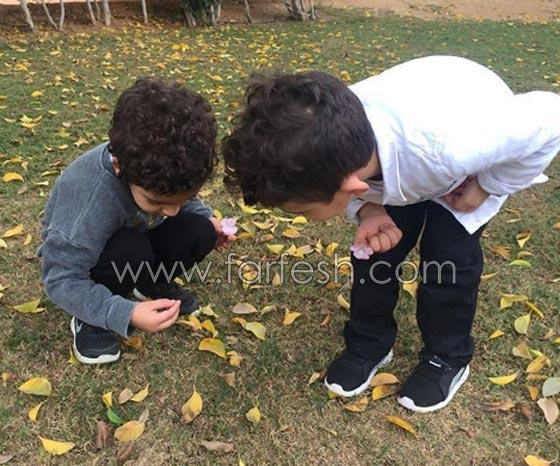 مفاجأة من احمد حلمي ومنى زكي: ينشران اول صوة لابنيهما صورة رقم 1