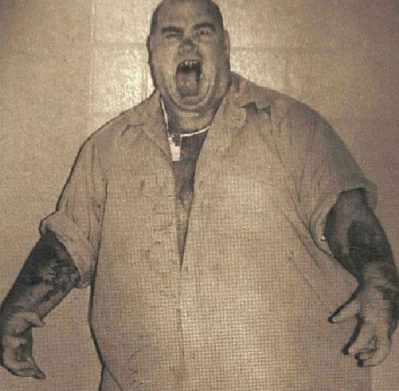 صورة رقم 2 - قصة مروعة: سفاح أمريكي قدم لحوم ضحاياه لضيوفه في حفلات الشواء