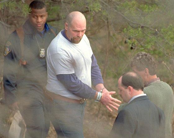 صورة رقم 4 - قصة مروعة: سفاح أمريكي قدم لحوم ضحاياه لضيوفه في حفلات الشواء