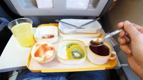 صورة رقم 3 - احذروا وجبات الطعام والمشروبات على متن الطائرة لهذا السبب!