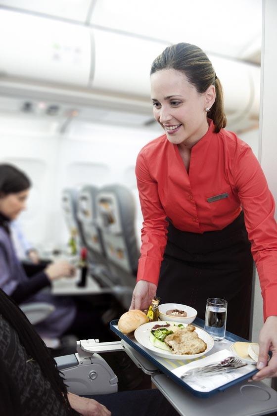 صورة رقم 4 - احذروا وجبات الطعام والمشروبات على متن الطائرة لهذا السبب!
