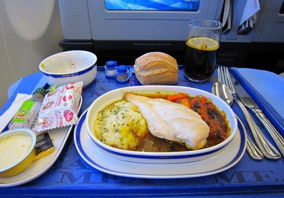صورة رقم 5 - احذروا وجبات الطعام والمشروبات على متن الطائرة لهذا السبب!
