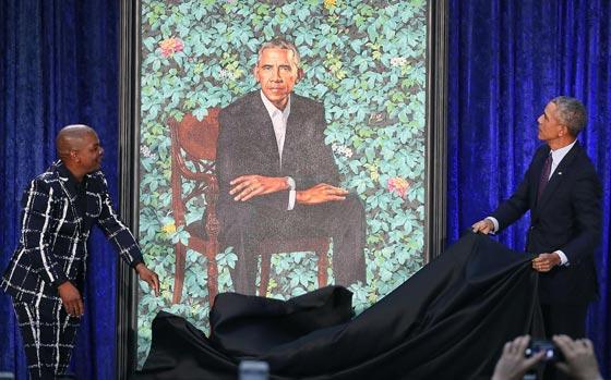 صورة رقم 3 - اوباما يسخر من شكله ويتغزل في صورة زوجته ميشيل