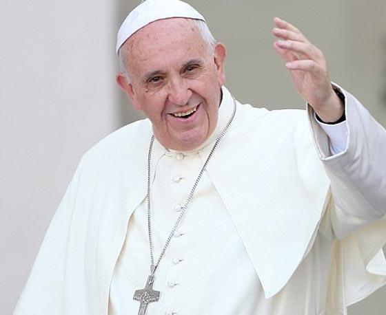بالصور: تصرف غير متوقع للبابا فرنسيس اثناء القداس يثير اعجاب الجميع صورة رقم 2