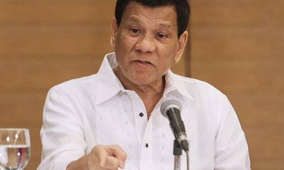 الرئيس الفلبيني يأمر الجنود بإطلاق النار بين أفخاذ المتمردات صورة رقم 1
