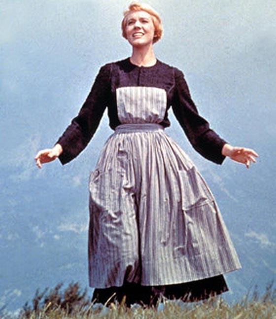17 فستاناً قلبت الموازين في عالم الأزياء صورة رقم 7