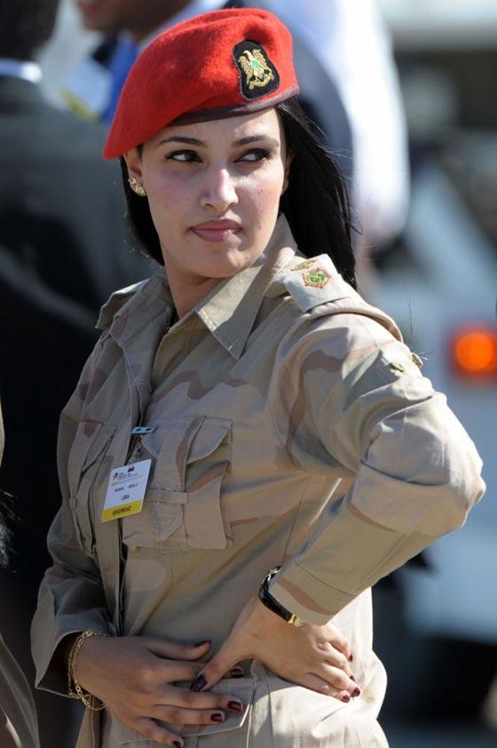 بالصور.. جميلات ساهرات من أجل حماية الوطن صورة رقم 18