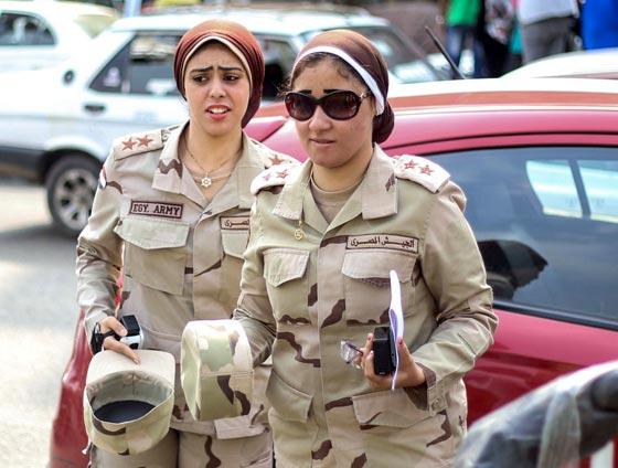 بالصور.. جميلات ساهرات من أجل حماية الوطن صورة رقم 19