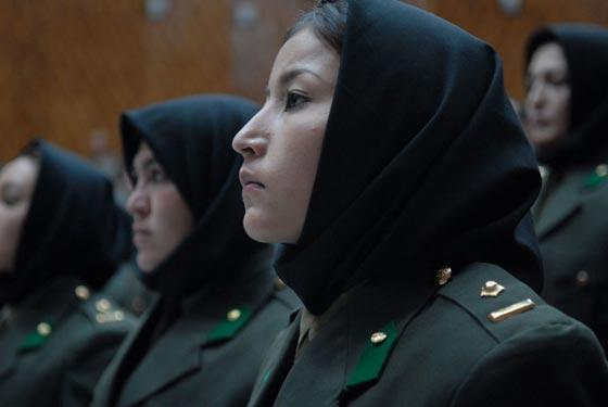 بالصور.. جميلات ساهرات من أجل حماية الوطن صورة رقم 23