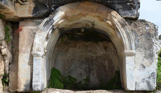 ما هو سر معبد بوابة الجحيم الرومانية الذي يقتل كل من يقترب منه؟! صورة رقم 1
