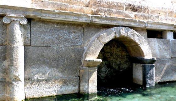 ما هو سر معبد بوابة الجحيم الرومانية الذي يقتل كل من يقترب منه؟! صورة رقم 4