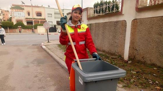 عاملة نظافة مغربية.. من كنس الشوارع إلى عالم الجمال والشهرة صورة رقم 2